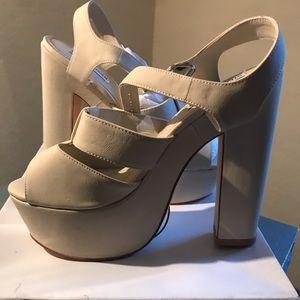 Brand New Steve Madden Heels size 9.5